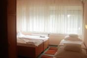 4 ágyas Fürdős szoba