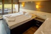 Háromágyas szoba (főszezonban min. 4 éjtől foglalható)