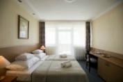 Erkélyes kétágyas szoba