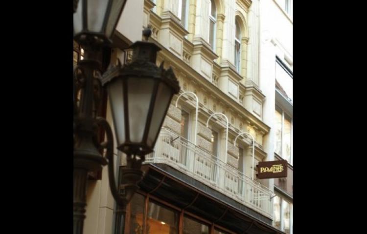 Promenade City Hotel