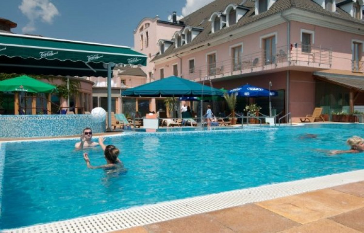 Thermal Hotel Szivek