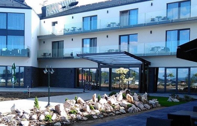 Castellum Hotel Hollókő